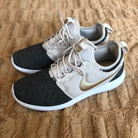 08cf6a58b3439e Nike Roshe Two Knit Sneakers